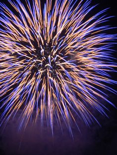 Epic Fireworks - Star Bursts - Part 1 Firework Nails, Best Places In Singapore, Fireworks Photography, Wedding Fireworks, Fire Works, Valentine Day Wreaths, New Year Celebration, Cool Photos, Happy New Year