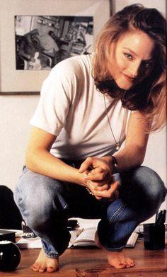 Jodie Foster Jodie Foster, Los Angeles, Best Actress, Celebrity Feet, Audrey Hepburn, Barefoot, Actors & Actresses, American Actress, Movies And Tv Shows