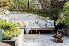 Binnenkijken in een Jugendstilpand in Utrecht | vtwonen Outdoor Sectional, Sectional Sofa, Outdoor Furniture Sets, Outdoor Decor, Utrecht, Bbq, Patio, Living Room, The Originals