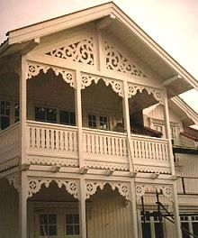 Victorian Porch, Victorian Homes, Norway Design, Deck Shade, Norwegian Style, Scandinavian Living, Porch And Balcony, Modern Kitchen Design, Architecture Details