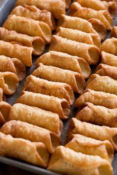 Italian Cookie Recipes, Sicilian Recipes, Italian Cookies, Baking Recipes, Dessert Recipes, Italian Desserts, Mini Desserts, Delicious Desserts, Yummy Food