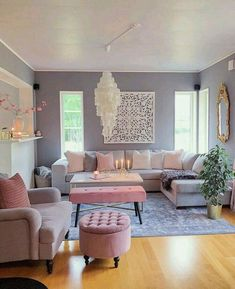 This neutral living room is asymmetrical because the pictures are so .club - interior design ideas - This neutral living room is asymmetrical because of the pictures - Living Room Decor Cozy, Living Room Grey, Rugs In Living Room, Interior Design Living Room, Home And Living, Living Room Designs, Modern Living, Small Living, Bright Living Rooms