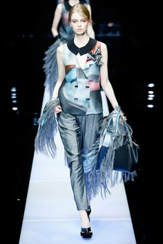 Giorgio Armani Fall 2015 Ready-to-Wear Fashion Show