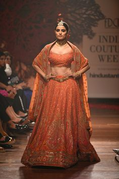 Ever wondered what is Tarun Tahiliani Lehenga Prices? Check out the latest bridal collection along with new lehenga pictures and prices. New Lehenga, Orange Lehenga, Nikkah Dress, Lehnga Dress, Sharara Designs, Lehenga Designs, Indian Bridal Outfits, Indian Dresses, Indian Clothes