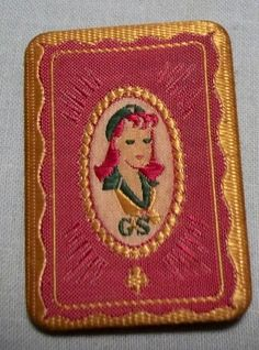 Love love love this vintage Girl Scout pin!
