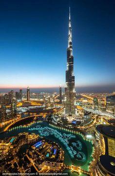 Burj Khalifa, Dubai--the tallest building in the world by at least 1000 ft. Places To Travel, Places To See, Wonderful Places, Beautiful Places, Naher Osten, Dubai City, Dubai Uae, Visit Dubai, Famous Buildings