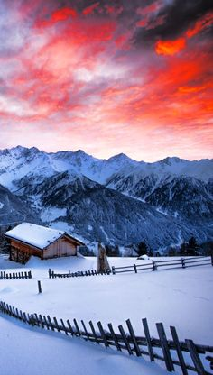 5 Best Ski Resorts In Austria That Are Perfect For This Winter There are many ski regions in Austria, each of them with their own unique scenery and charm. Here are some of the best ones to consider that also contain the best ski resorts in Austria! Ski Austria, Austria Travel, Austria Winter, Travel Europe Cheap, Backpacking Europe, Europe Europe, Winter Travel, Summer Travel, Summer Europe