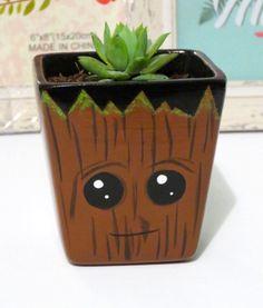 Flower Pot Art, Clay Flower Pots, Flower Pot Crafts, Clay Pot Crafts, Rock Crafts, Diy Home Crafts, Garden Crafts, Painted Plant Pots, Painted Flower Pots