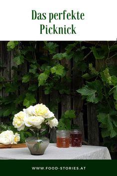 Sommerzeit ist Picknickzeit! Hier habe ich eine Liste mit Rezeptideen und Equipments für den perfekten Tag in der Natur zusammengestellt. #picknick #Auszeit #picknickideen #dasperfektepicknick #draussenessen #snackszummitnehmen #jause #essenfürkinder #sommerpicknick #sommeressen #snackideen #eintagamsee #essenfürunterwegs Foodblogger, Plants, Garden, Portable Snacks, Picnic Ideas, Snack Recipes, Summer Time, Food For Kids, Garten