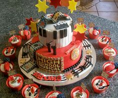 """High School Musical Cake & Cupcakes"" 