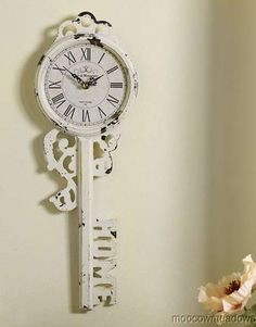 Skeleton Key Wall Clock ... I'm obsessed ... I do have 2 skeleton key tatts so this shouldn't be shocking ...