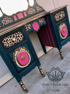 furniture Make-up Eitelkeit Redo Dressers 16 besten Ideen - If you simply do not have Funky Painted Furniture, Refurbished Furniture, Paint Furniture, Unique Furniture, Repurposed Furniture, Furniture Makeover, Furniture Decor, Furniture Stores, Furniture Design