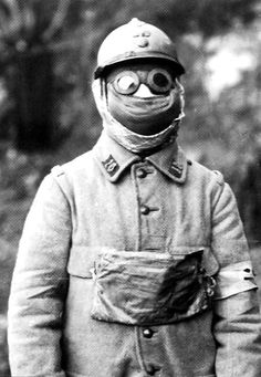 WWI: Another gas mask to die in. World War One, First World, French Army, Us History, Dieselpunk, Military History, The Great, Wwii, Sailor