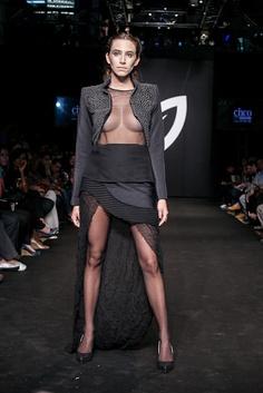 Pasarela CINCO 2012 · Diseño de Modas · Colegiatura Colombiana · Medellín-Colombia Black, Dresses, Fashion, Slip Dresses, Medellin Colombia, Black Gowns, Walkway, Vestidos, Moda
