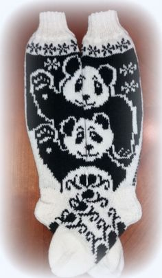 Knitted Mittens Pattern, Knit Mittens, Knitting Socks, Knitting Patterns, Panda Socks, Hello Panda, Fair Isle Knitting, Drink Sleeves, Ravelry