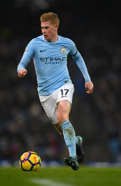 Kevin De Bruyne Photos - City player Kevin De Bruyne in action during the Premier League match between Manchester City and Newcastle United at Etihad Stadium on January 2018 in Manchester, England. - Manchester City v Newcastle United - Premier League Best Football Players, World Football, Soccer World, Nike Football, Soccer Players, Manchester City, Manchester England, Sergio Aguero, Messi And Ronaldo