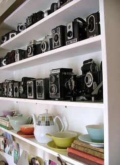 Vintage Camera Old Cameras - need to display my camera like this. Antique Cameras, Old Cameras, Vintage Cameras, Home Design, Design Ideas, Home Interior, Interior Decorating, Fancy Houses, Parasol
