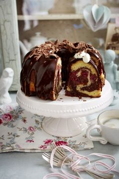 Käse Kirsch Kuchen Donauwellen Puffer Rezept In 2018 Table For Two Donauwellen-Puffer - definitely I have to try that delicious recipe 😍 300 g zimmerwarme Butter gugelhupf with chocolate See related links to what you are looking for. The recipe for Do Sweets Cake, Cupcake Cakes, No Bake Desserts, Dessert Recipes, Baking Recipes, Cookie Recipes, Cupcake Recipes, German Baking, Maila