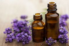 Lavender essential oil is one of the most commonly used essential oils in aromatherapy. While there are other essential oils such as eucalyptus and frankincense essential oil, lavender remains to be a tough choice when it comes to flowery scent. Essential Oils For Anxiety, Essential Oils Guide, Essential Oil Uses, Doterra Essential Oils, Young Living Essential Oils, Pure Essential, Herbal Remedies, Natural Remedies, Headache Remedies