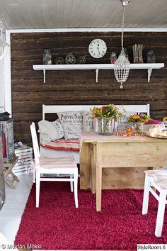 olohuone,mökki,tupa,kirpputorilöytö,hirsiseinä