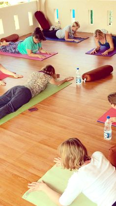 Cherai Beach Yoga Retreat, Kerala, India with Scaravelli inspired yoga teacher Catherine Annis .... #cheraibeach #yogaretreat #kerala #india #yogaholiday #yogaabroad #yogagetaway