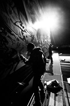 Graffiti - Keegan Gibbs Found this one on his homepage - http://keegangibbs.com/portfolio/display/graffiti/ The black and white works really well here, I can't have people in my images but the tone of this image is something i'll keep in mind for my pieces.