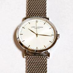 Time goes slow on Mondays... 😴 #LW43 #larslarsenwatches 🔎: 143SWSM