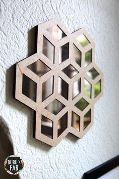 Miroir prismatic origami en bois et miroir acrylique par bubusfab