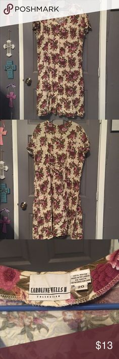 Floral Dress Never worn floral Dress! Cute for Christmas! jcpenney Dresses Midi