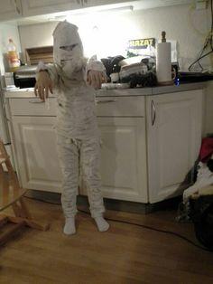 Kathrine er et mumie. 2014