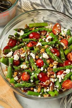 Asparagus, Tomato and Feta Salad with Balsamic Vinaigrette - Cooking Classy Asparagus Salad, Feta Salad, Asparagus Recipe, Balsamic Vinegar, Fresh Asparagus, Grilled Asparagus, Cheese Salad, Vegetable Recipes, Vegetarian Recipes