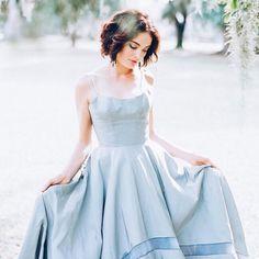 Eleja um vestido de noiva azul para o grande dia