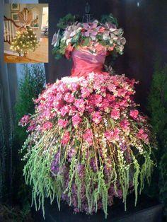 christmas tree dress - Google Search Garden Dress, Fairy Dress, Rapunzel Und Eugene, Dream Garden, Garden Art, Garden Plants, Garden Design, Garden Whimsy, Flowering Plants