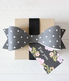 FREE Printable Chalkboard Polka Dot Bows | Printable Weddings #printable
