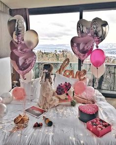 Surprise Birthday Decorations In Your Bedroom Birthday Goals, 18th Birthday Party, Birthday Room Surprise, Birthday Morning, Birthday Girl Pictures, Birthday Photos, Girl Pics, Birthday Room Decorations, Birthday Photography