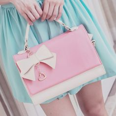 pink bow purse ♡