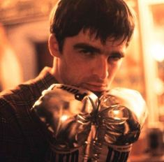 Look Back In Anger, Liam Gallagher, Britpop, Important People, Oasis, Eyebrows, Champagne, Core, Singer