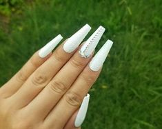 White Sparkle Nails, White And Silver Nails, White Coffin Nails, White Acrylic Nails, Summer Acrylic Nails, Coffin Nails Long, Long White Nails, Sweet 16 Nails, Graduation Nails