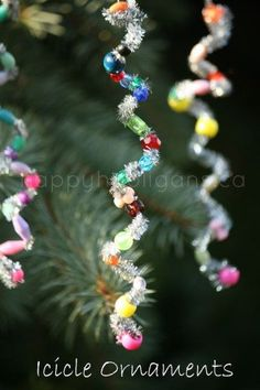 Easy Icicle Ornaments for toddlers and preschoolers to make.  Great fine-motor Christmas craft. (happy hooligans)