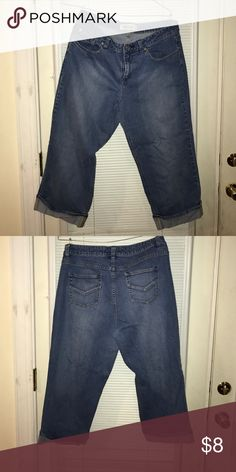 Ladies Capris Denim Capris! Make an Offer Jeans