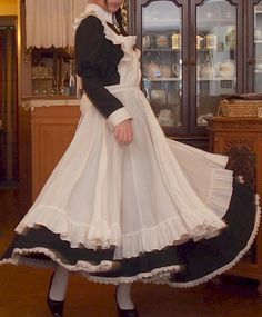 Musings of a sissy maid Maid Cosplay, Cosplay Outfits, Pretty Outfits, Cool Outfits, Victorian Maid, French Maid Dress, Maid Uniform, Maid Outfit, Costume Design