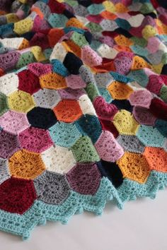 CROCHET GRANNY SQUARE BLANKETS Weekender Blanket Fun and happy colours accentuate the fabulous hexagon pattern in this blanket that I saved up as a crafty weekend tre.Cherry Heart: Weekender Blanket Check out the edgingStriking single-colour hexagons Hexagon Crochet Pattern, Crochet Hexagon Blanket, Crochet Motifs, Crochet Borders, Crochet Chart, Crochet Squares, Crochet Blanket Patterns, Free Crochet, Crochet Blankets