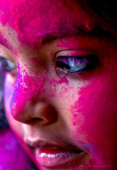 Photo Holi Ka Photo, Happy Holi Photo, Holi Festival Of Colours, Holi Special, Beauty Photography, Photography Ideas, Girl Power, Engagement Photos, Photoshoot