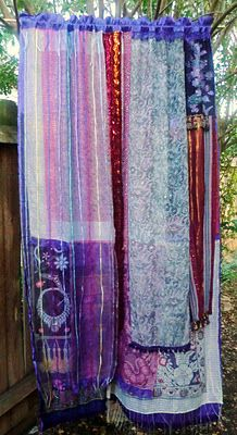 "Pinner said: gypsy curtains! Omg, if I ever do have a little girl, so have to do these in her room.or if I get my ""Woman Cave"" (assuming Phillip gets his Man Cave), might have to throw these up in there & do a gypsy-style room :) Hippie Bohemian, Boho Gypsy, Bohemian Decor, Modern Hippie, Gypsy Style, Hippie Style, Bohemian Style, Bohemian Curtains, Diy Curtains"