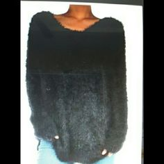 Cozy Black Knit Sweater This beautiful sweater is so soft and very comfortable. 💕  51/35/14  cotton/nylon/acrylic    ✔BUNDLES 10% discount.     🚫 No trades    🚫No PP Sweaters