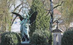 Kunstvolle Details. Impressionen vom Leonhardsfriedhof in Schwäbisch Gmünd.