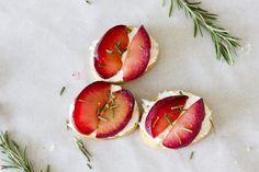 Maple Roasted Plum Crostini #plum #brunch #appetizer #crostini