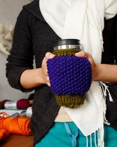 so want!   PATTERN  Hand Warmer Mug Cozie by KnitKnit on Etsy, $5.00