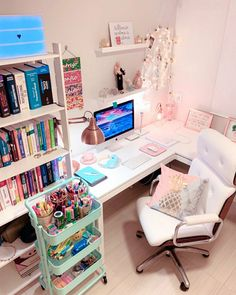 Room Design Bedroom, Girl Bedroom Designs, Room Ideas Bedroom, Home Room Design, Bedroom Decor, Study Room Decor, Cute Room Decor, Aesthetic Room Decor, Home Office Decor