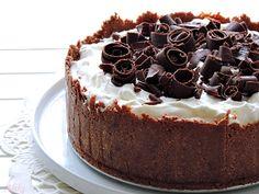 Recepti i kuhinja: Chocolate banoffee pie - Čokoladna banana - karame. Cookbook Recipes, Cooking Recipes, Banoffee Cake, Sweet Desserts, Quick Easy Meals, Chocolate Cake, Sweet Treats, Cheesecake, Food And Drink